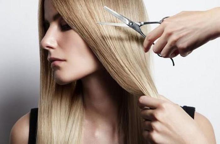 Nằm mơ thấy cắt tóc là điềm gì, đánh con gì?